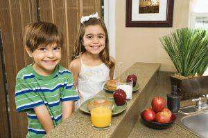 kids-eating-breakfast-4291990